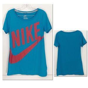 Nike Sportswear (Regular Fit) || M ||